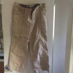 Cargo Capri pants